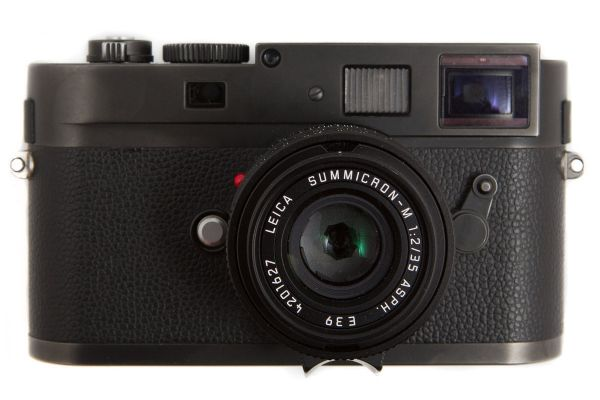Leica m monochrom front