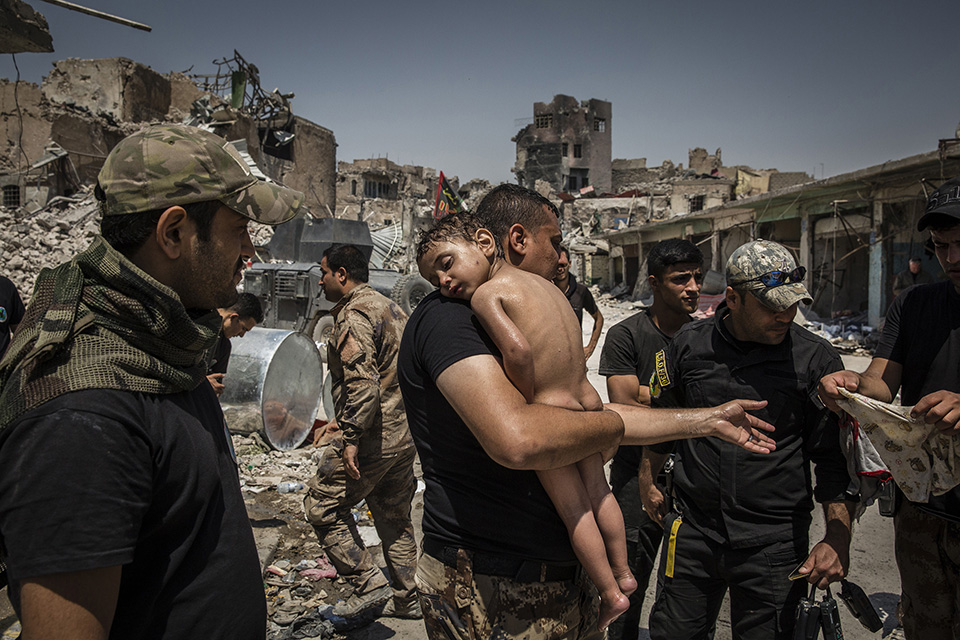 005 World Press Photo of the Year Nominee Ivor Prickett Panos Pictures for The New York Times